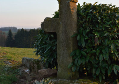 La Lanterne, croix manchotte