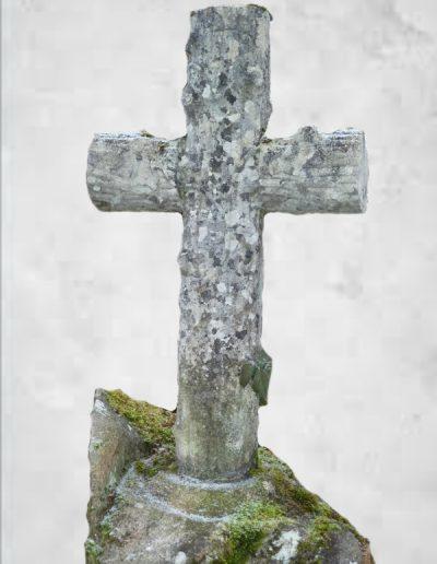 Croix en ciment