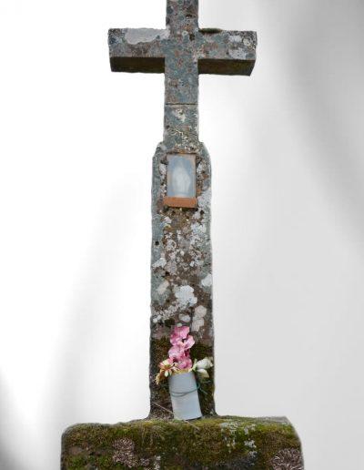 Croix en pierre des Oroz